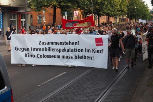Demonstrationszug durch die Schönhauser Allee